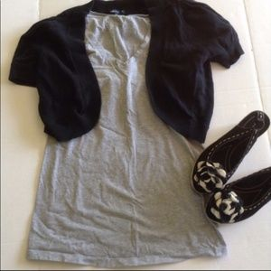 👣 MATERNITY Liz Lange Soft Gray V-Neck Tee XS