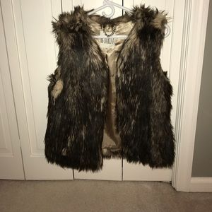 BB Dakota faux fur vest size M