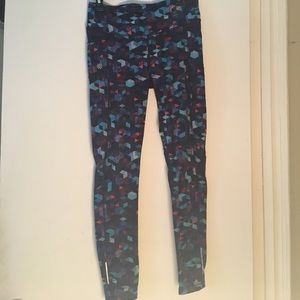 Athleta full length blue printed workout pants