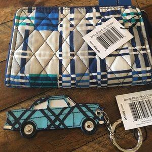 NWT Vera Bradley Grab & Go Wristlet Beep Bag Charm