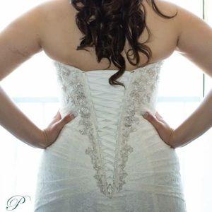A-Line Lace Ivory Wedding Dress