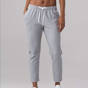 NWT - Lululemon relaxed fit pant - size 8