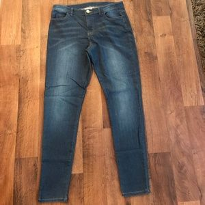 Juicy couture size 8 skinny jeans
