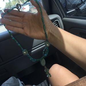 Artsy blue & green necklace 🌿🍃