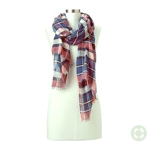 New Listing! Gap Plaid Scarf in Navy & Pink