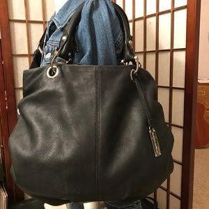 Rabeanco black leather handbag