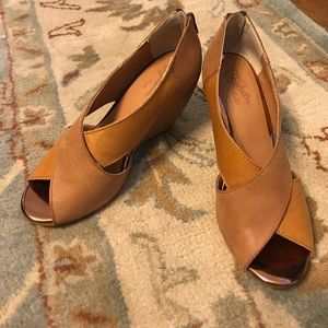 Brown wedges only worn a few times great condition