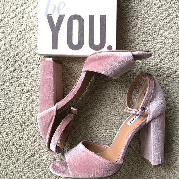 db1b4cd8574 Steve Madden pink velvet chunky heels. M 59c29709d14d7b27f1013f45