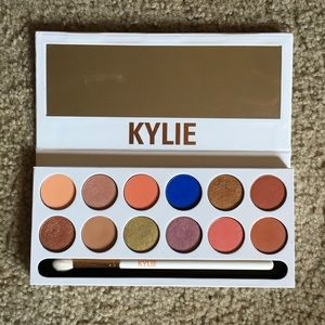 Kylie Cosmetics Royal Peach Eyeshadow Palette