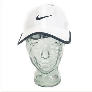 Nike pro drifit featherlight white hat unisex