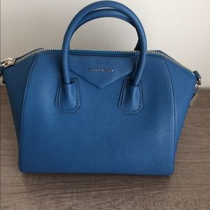 Authentic Givenchy Medium Antigona Sugar Leather
