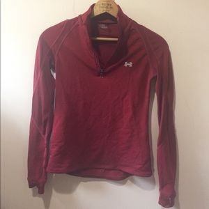 Under Armouor ladies maroon long slv workout top
