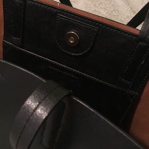 Banana Republic Leather Tote bag!