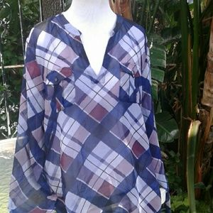 Vince Camuto large plaid sexy top blouse