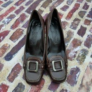 Ferragamo Italian made brown leathe buckle loafers