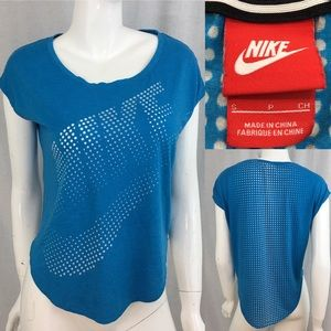 🎒Sz Small Nike Blue Curved Hem Athletic Crop Top