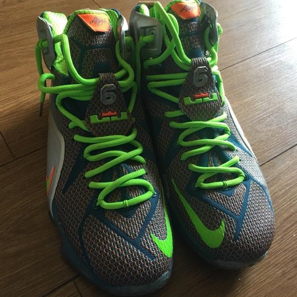 Lebron James Gym Shoes Mens Size 10. M 59c2a5514225be19eb017c66 b754a2cbcec7