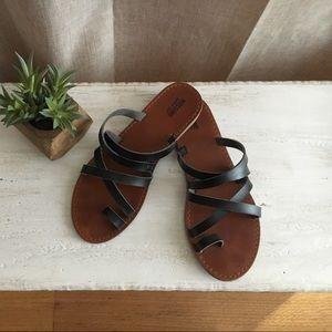 Mossimo • black sandals