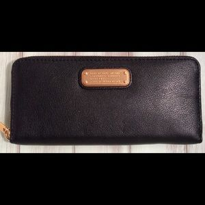 Marc by Marc Jacobs Q Slim Zip Continental Wallet