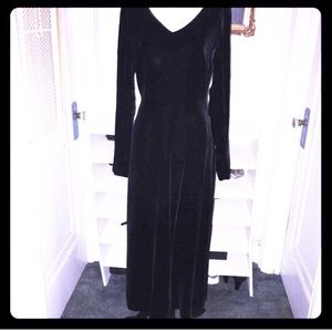 Bloomingdales Black Velvet Gown - Maxi Dress Sz 4.