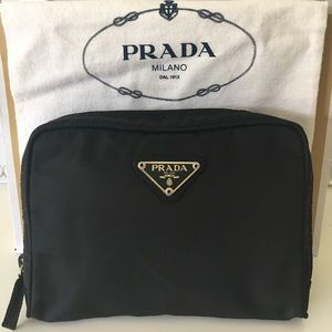 ⭐️PRADA CLUTCH/ COSMETIC BAG 💯AUTHENTIC