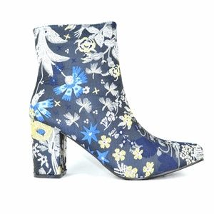 Chase & Chloe Wayne-1 Navy Floral Ankle Bootie