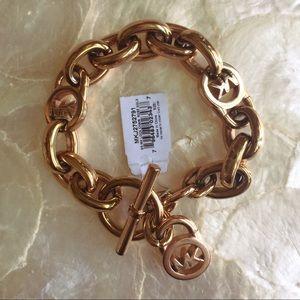 Michael Kors Logo Toggle Chain Bracelet MKJ2752791