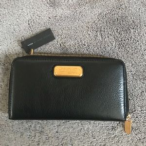 Authentic Black Marc Jacobs Leather Wallet