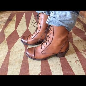 Seal of the Sutro Lace Up Ellis Boots