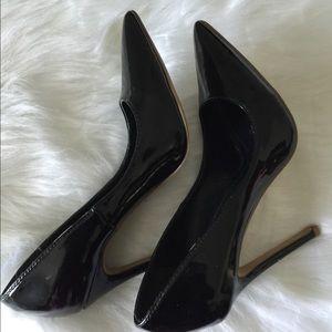 Black heels !!