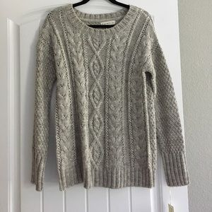 Sweaters - Women's Small Cable knit Sweater in light gray