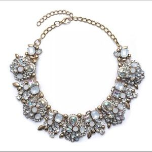 Jewelry - 💓 New Elegant Statement Necklace 💓