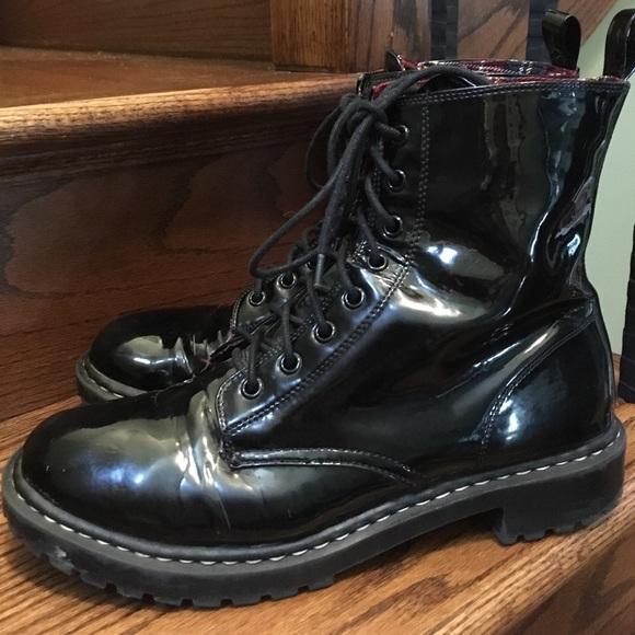 Shiny Black Combat Boots W Red Plaid