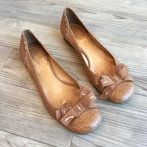 Vince Camuto Brown Etched Flats