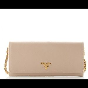 Prada Saffiano Wallet on Chain in blush (Cammeo)
