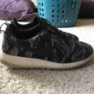 Nike Camo Roshe