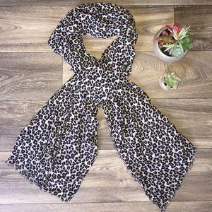 {Gap} Leopard Fringe Scarf