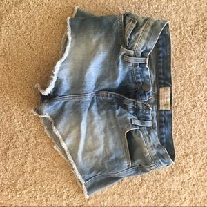 Zara jean shorts (2nd picture modeling them)