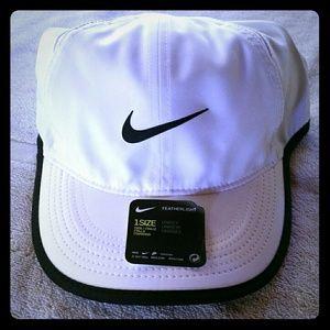 Women's Nike Featherlight Baseball Hat