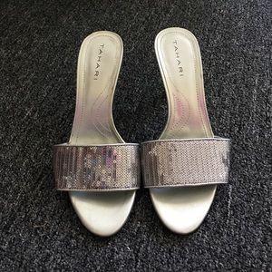 Tahari heel - sequin