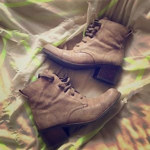 Dolce Vita Light Brown Boots