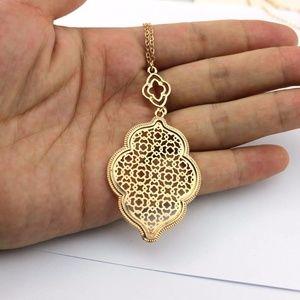 """""""Marrakesh Lantern"""" Filigree Necklace - Gold"""