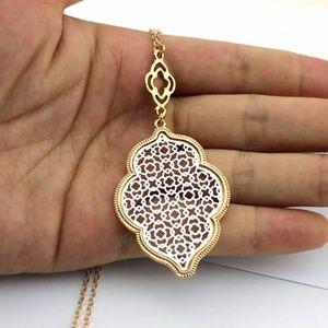 """Marrakesh Lantern"" Filigree Necklace - Silver"