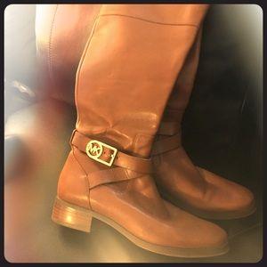 Micheal Kors cognac boots