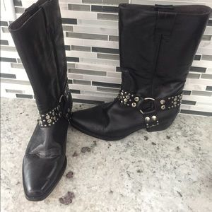 Guess black leather boots