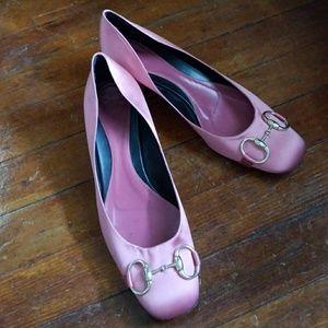 Gorgeous Vintage Pink Satin Gucci shoes