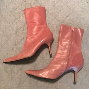 STEVE MADDEN PINK LEATHER BOOTS SIZE 8