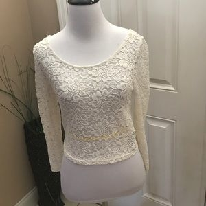 White lace crop top w/ 3/4 sleeves