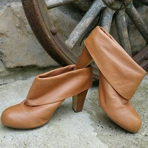"""Steve Madden """"Jan"""" Leather Booties Shoes"""