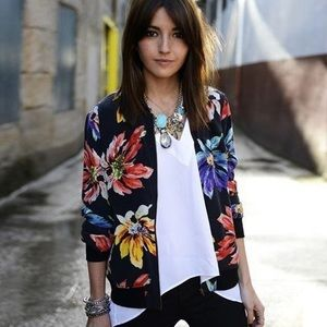 Jackets & Blazers - Floral Full Zip Light Weight Jacket